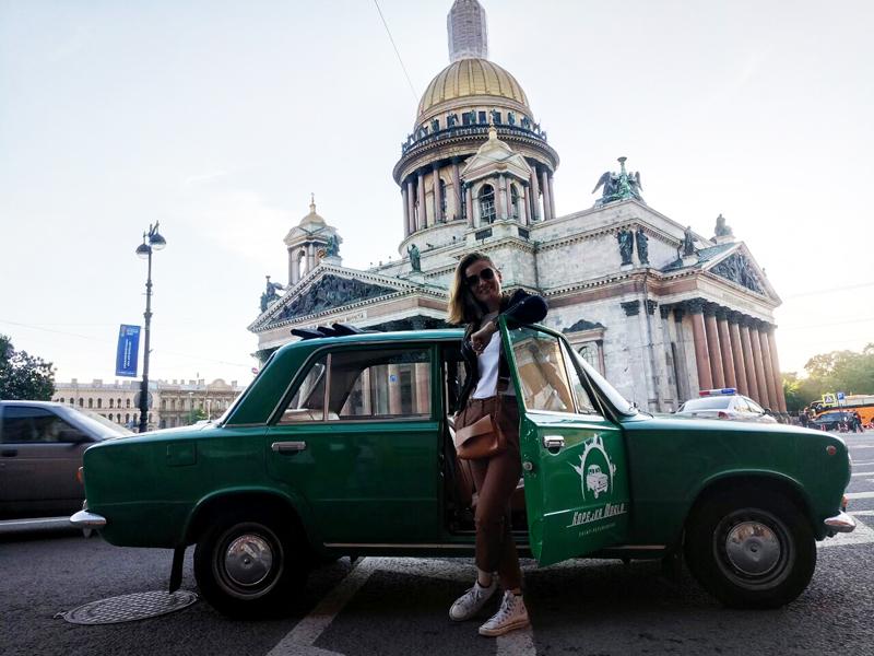 retro car tour Russia